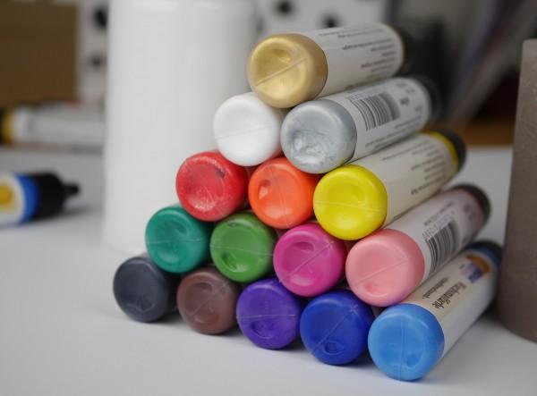 Kerzenmalfarbe in verschiedenen Farben